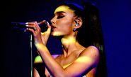 Xôn xao chuyện liveshow Ariana Grande bị hủy