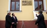 Đặt biển đồng lưu niệm Chủ tịch Hồ Chí Minh thăm Slovakia