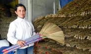 Độc đáo làng nghề chổi đót Hà Ân