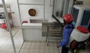 Đà Nẵng: Đình chỉ quán cơm gà làm 17 du khách ngộ độc