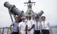 Hai chiến hạm cập cảng Cam Ranh