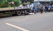 Tông xe tải bên đường, người đi xe máy chết tại chỗ