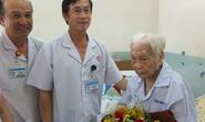 Cứu sống cụ bà 104 tuổi bị sỏi mật khổng lồ
