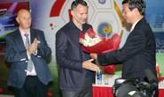 Con Giggs, Scholes có thể học bóng đá ở Việt Nam