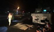 3 nam nữ thanh niên đi xe máy tông xe đầu kéo, 2 người tử vong