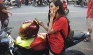 Nữ 9X cưỡi mô tô khủng đến cổ vũ Công Phượng, Văn Toàn