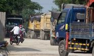 Bà Rịa - Vũng Tàu: Người dân đem đá chặn xe tải băm đường