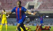 Sao trẻ Barcelona tái hiện siêu phẩm của Messi