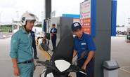Thực hư chuyện cấm công chức Hà Nội đổ xăng tại trạm xăng Nhật