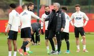 Mourinho phản pháo HLV Ajax