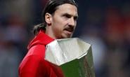Sốc với quà treo thưởng của fan M.U dành cho Ibrahimovic
