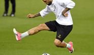 Guardiola muốn mua trò cũ Alves