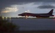 Máy bay ném bom Mỹ phô diễn sức mạnh sát Triều Tiên