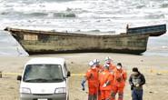 Tàu ma nghi của Triều Tiên trôi dạt với 8 thi thể