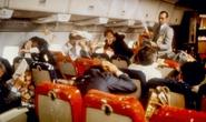 Những hành động không tưởng khiến du khách bị cấm bay