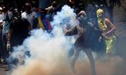 Biểu tình khắp Venezuela, hai sinh viên thiệt mạng