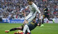 Bale ghi bàn ngày trở lại, Real Madrid vững ngôi đầu