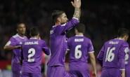 """""""Người hùng"""" Benzema tỏa sáng, Real Madrid lập kỷ lục mới"""