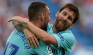 Hỏng phạt đền, lập cú đúp, Messi tỏa sáng với Barcelona