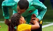 Nụ hôn đẹp của Ronaldo tại Confederations Cup 2017