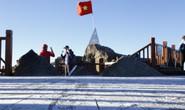 Đốn tim vẻ đẹp lung linh của băng giá trên đỉnh Fansipan