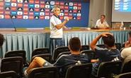 Argentina mời trọng tài dạy U20 tránh thẻ