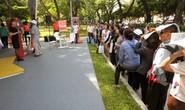 Xếp hàng săn tour giá rẻ tại Ngày hội du lịch TP HCM