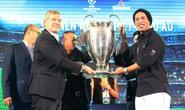 Ronaldinho trở lại Việt Nam, mơ Barcelona ngược dòng Champions League