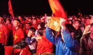 Người hâm mộ rơi lệ tiếc nuối bàn thua vào phút chót của U23 Việt Nam