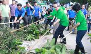 Lãnh đạo TP HCM cùng người dân dọn rác trên kênh rạch