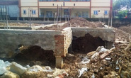 Đang thi công công trình trung tâm văn hóa 2,9 tỉ đồng, móng bỗng nứt toác