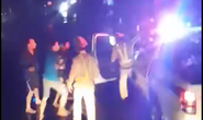 """Vụ """"CSGT đánh nhau với tài xế"""": Thông tin bất ngờ về nhóm người trên xe tải"""