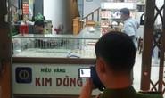 Nam thanh niên táo tợn cướp tiệm vàng ở Quảng Nam