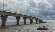 Xuất hiện đinh rải trên mặt cầu vượt biển Tân Vũ - Lạch Huyện