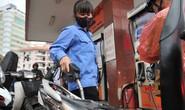 Chi mạnh tay quỹ bình ổn gần Tết, giá xăng dầu đứng yên