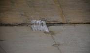 Lột băng keo chống thấm khỏi hầm chui đường cao tốc để tránh hiểu nhầm