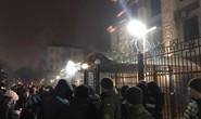 Đại sứ quán Nga bị ném bom khói sau vụ bắt tàu Ukraine