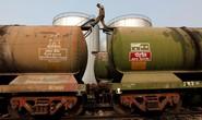 Giá dầu rối loạn vì nhiễu tín hiệu từ Ả Rập Saudi