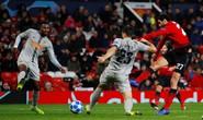 Cứu tinh Fellaini đưa Man United vượt vòng bảng, Ronaldo hoá người hùng Juve