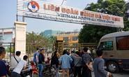 Hàng trăm người quây trụ sở VFF vì không mua được vé bán online