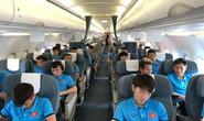 Cận cảnh đội tuyển Việt Nam bay chuyên cơ sang Philippines