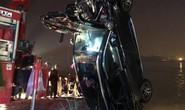 Ô tô lao từ cầu Chương Dương xuống sông: Tìm thấy xe Mercedes và 2 nạn nhân bên trong