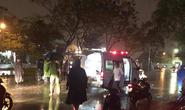 Dây điện rơi xuống đường, chồng tử vong, vợ nhập viện cấp cứu