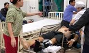 Lật xe khách ở Quảng Ngãi khiến 8 người bị thương