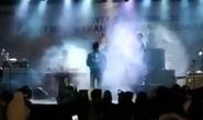 Indonesia: Sóng thần cuốn trôi nhóm nhạc nổi tiếng khi đang biểu diễn