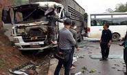 Xe khách tông nhau với xe tải, ít nhất 5 người bị thương