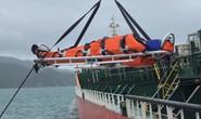 Cận cảnh cứu nạn 4 thuyền viên Philippines bị thương trên biển