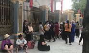 Dân tới trụ sở, mong đối thoại với chủ tịch UBND tỉnh Ninh Bình về xây đài hỏa táng