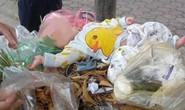 Bé trai kháu khỉnh 4 tháng tuổi bị bỏ rơi trên thùng rác