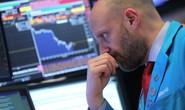Giải mã chứng khoán Mỹ tăng vọt rồi giảm sốc sau đình chiến thương mại
